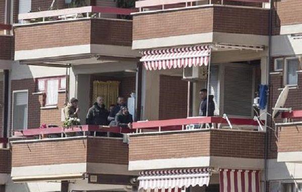 Luigi Capasso tratta con i carabinieri, il Comandante:
