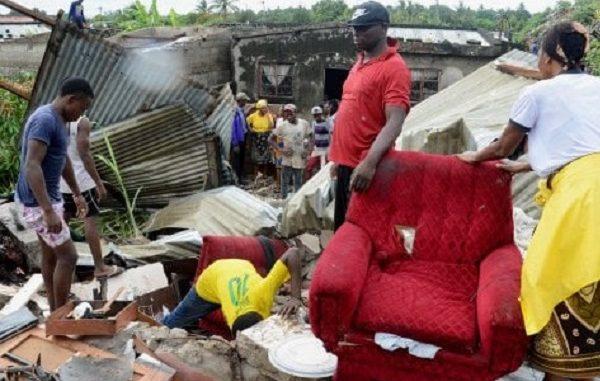 Crolla montagna di rifiuti in Mozambico: 17 morti