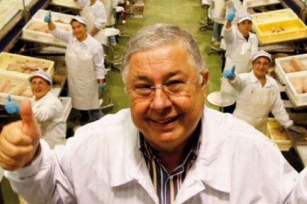 Pippo Calippo premia i dipendenti con un bonus di 500 euro