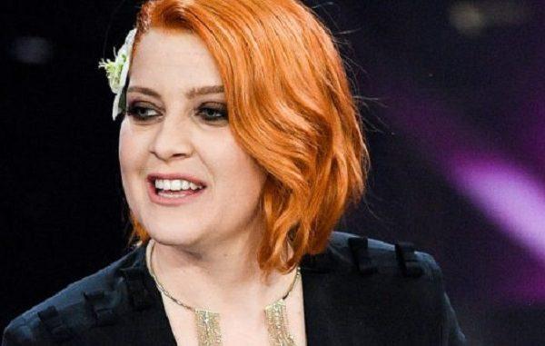 Noemi litiga con la sicurezza di Sanremo 2018, denunciata per oltraggio