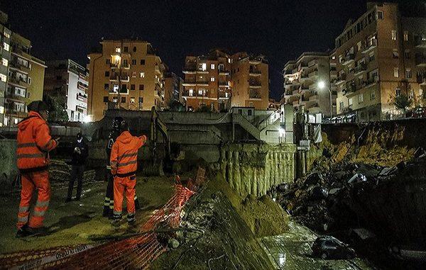Voragine a Roma, crolla la strada nel quartiere Balduina