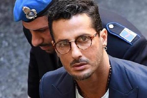 Fabrizio Corona è uscito dal carcere: torna in comunità