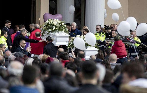 Cisterna di Latina, oggi i funerali di Alessia e Martina, assente la mamma
