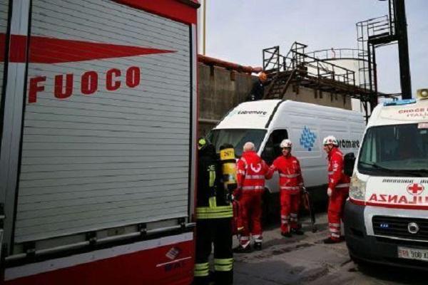 Livorno, violenta esplosione al porto: zona evacuata