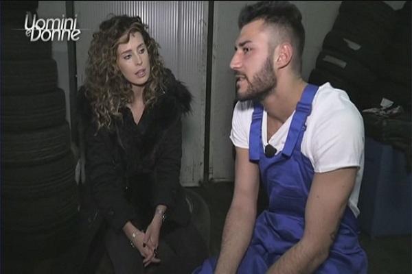 Sara Affi Fella bacia Lorenzo, bufera negli studios di Uomini e Donne