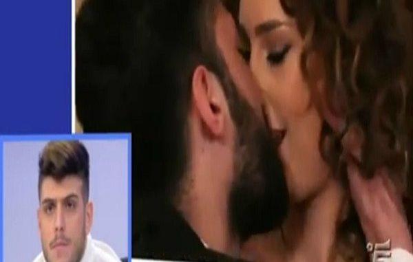 """Sara Affi Fella riceve un messaggio a Uomini e Donne: """"Mi sei mancata"""""""