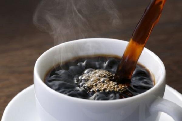 Il caffè pulisce le arterie e riduce il rischio infarto
