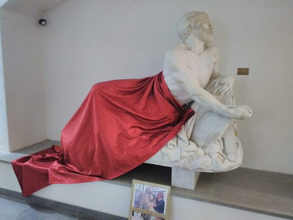 savona statua epaminonda coperta musulmani