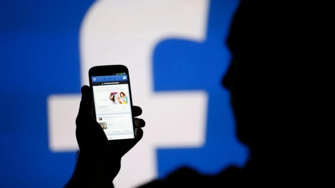 Facebook vola in borsa +9% per il social network