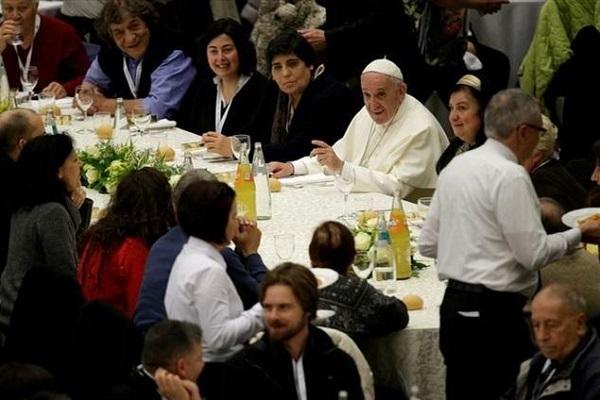 Onomastico di Papa Francesco, il regalo ai poveri per San Giorgio