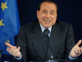Lascia 3 milioni di euro in eredità a Berlusconi: ma è una bufala