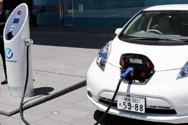 Auto elettrica, quanto costa? Differenze con auto tradizionale