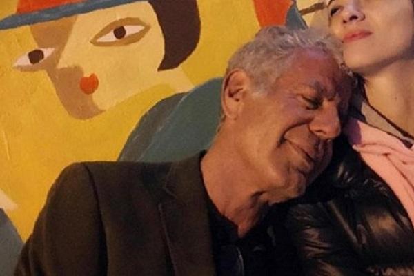 Morto Anthony Bourdain, chef e fidanzato di Asia Argento
