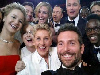 Giornata mondiale del selfie, come fare un autoscatto perfetto