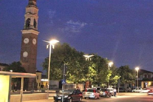 Far west a Vicenza, spara dal balcone e colpisce operaio
