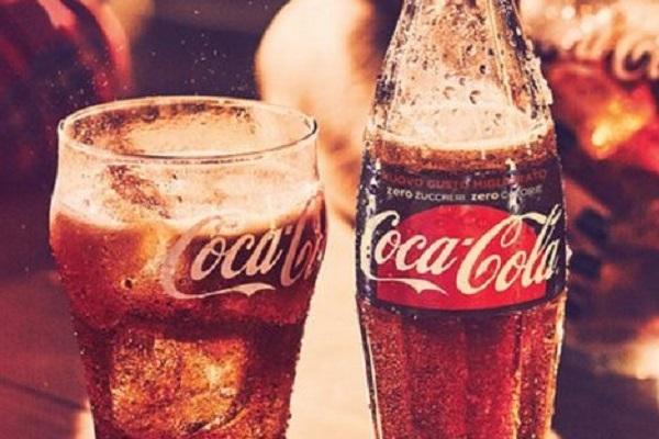 Coca Cola alza i prezzi, ecco perché