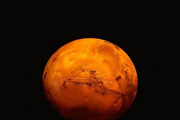 Acqua su Marte: scoperto lago salato