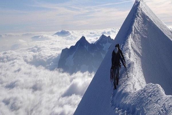 Val D'Aosta alpinisti colpiti da un fulmine, tra loro una vittima