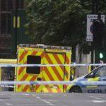Londra, auto si schianta contro Parlamento
