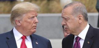 """Erdogan contro gli Stati Uniti: """"Colpa loro se la lira turca sta crollando"""""""