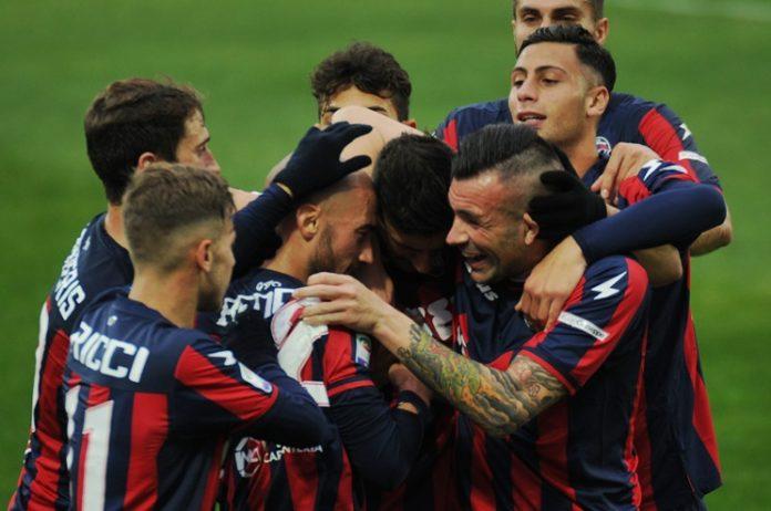 Serie A, Crotone chiede ammissione in sovrannumero