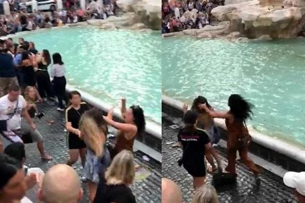 Fontana di Trevi, turiste litigano per un selfie