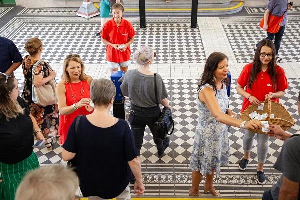 Vienna deodorante gratis nel metrò