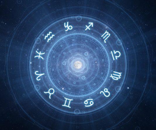Oroscopo di domani del giorno 15 agosto 2018: chiarezza per Capricorno, attenzioni del Cancro