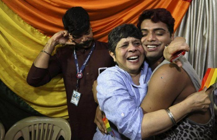 India, omosessualità non è più un reato