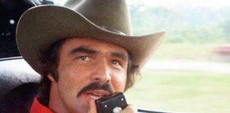 """Burt Reynolds: addio alla star di """"Quella sporca ultima meta"""""""