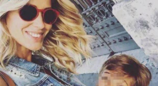 Elena Santarelli non mostrerà più il volto di suo figlio su Instagram