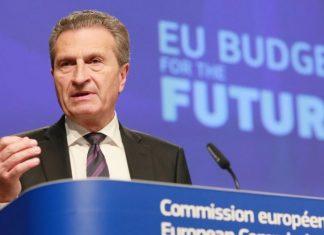 Oettinger, l'Italia vuole distruggere l'Unione Europea