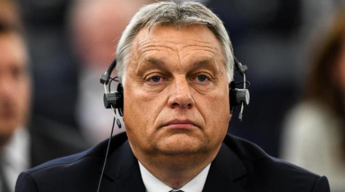 Articolo 7, via alle sanzioni per Orban