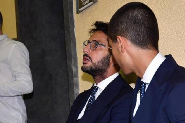 Fabrizio Corona pena dimezzata, oggi in tribunale con il figlio