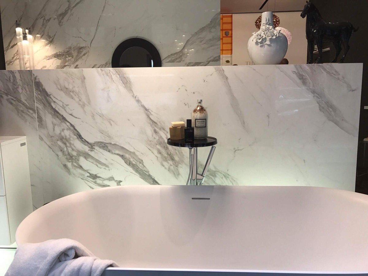 Arredamento bagno meglio lo stile classico o il moderno - Arredo bagno stile classico ...
