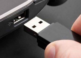 Chiavetta USB esplode, ferito ispettore della Polizia a Trapani