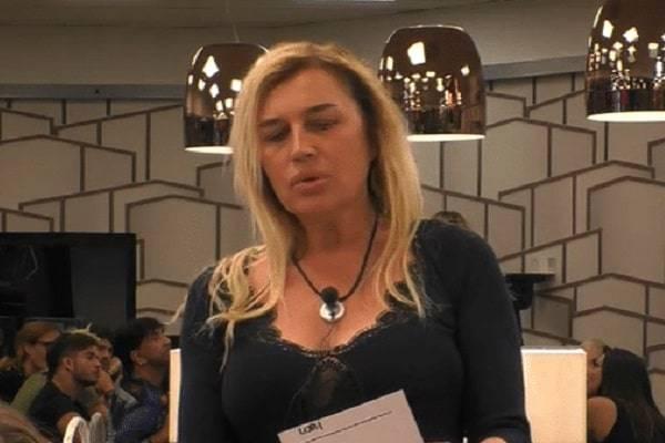 GF Vip 3, i guadagni di Lory Del Santo fanno impallidire