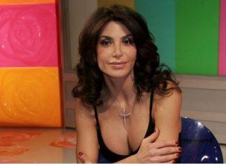 Carmen Di Pietro contro la mamma Ha abbandonato la famiglia