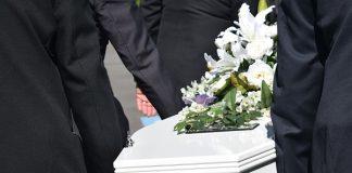 incidente mortale funerale bara