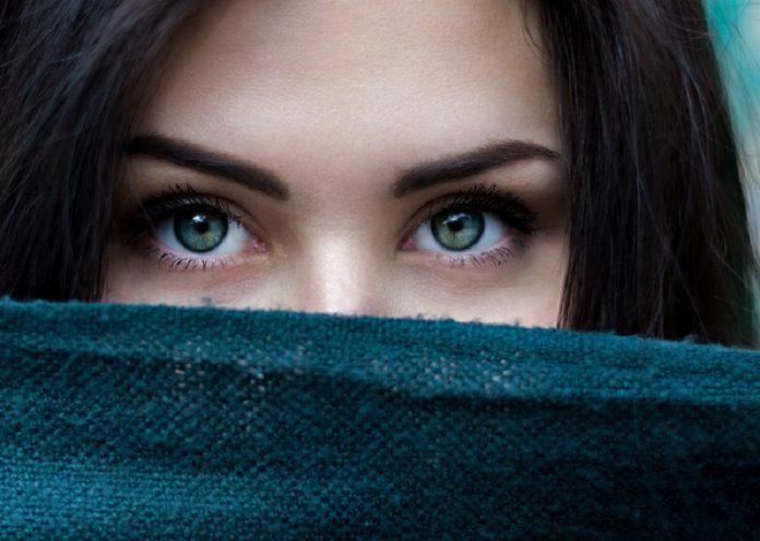 coprire occhiaie