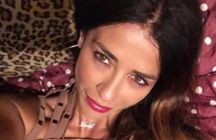 Raffaella Mennoia Instagram l'autrice di Uomini e Donne commenta il Coachella